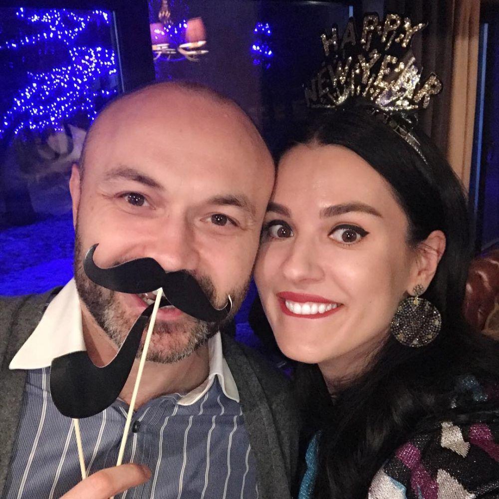 А это Маша Ефросинина со своим мужем