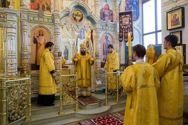 В Рождественскую ночь митрополит Серафим проведет Всенощное бдение в Успенском кафедральном соборе Пензы.