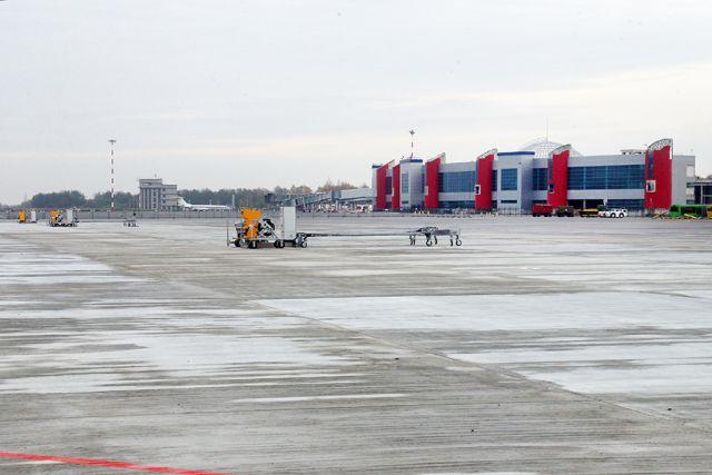 Аэропорт «Храброво» закрыт до 12 часов