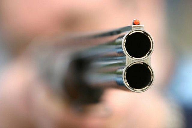 Петербуржец оставил ружье убанкомата вметро