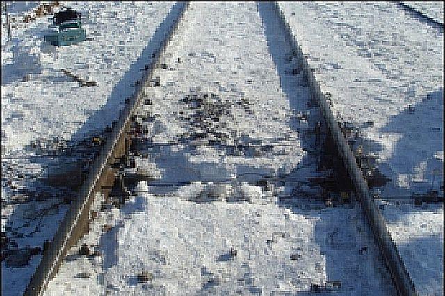 Труп без признаков насильственной смерти был обнаружен в 20 метрах от железнодорожных путей.