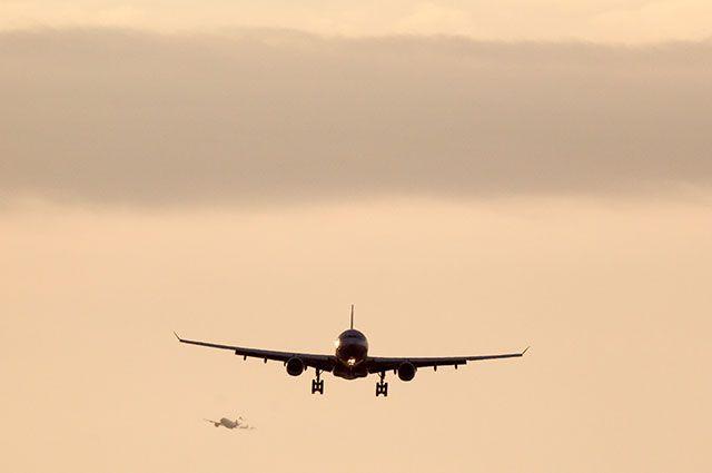 Самолет изЯкутска вБлаговещенск задержали на12 часов из-за сработавшей сигнализации