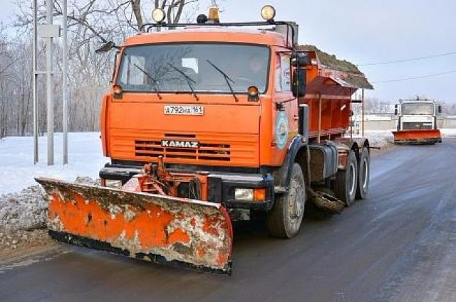 Дорожники вусиленном режиме вывозят снег сулиц Нижнего Новгорода