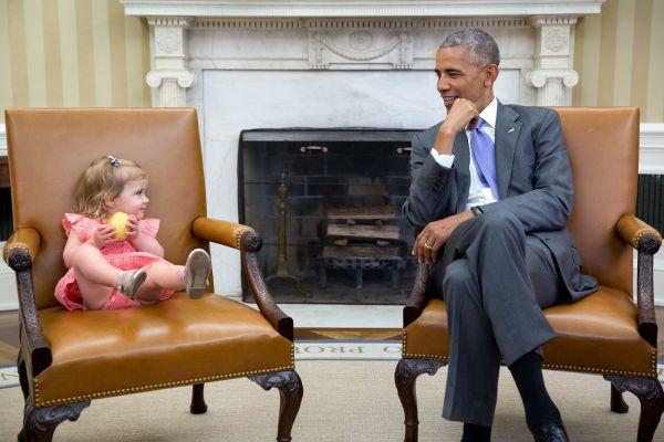 Разница между фотографами двух президентов заметна