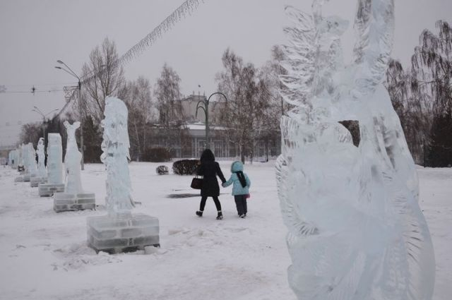 Снежный городок наплощади Сахарова начнут демонтировать 14января