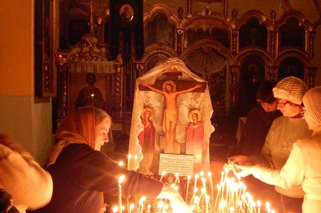 Тысячи оренбуржцев встретили Рождество Христово