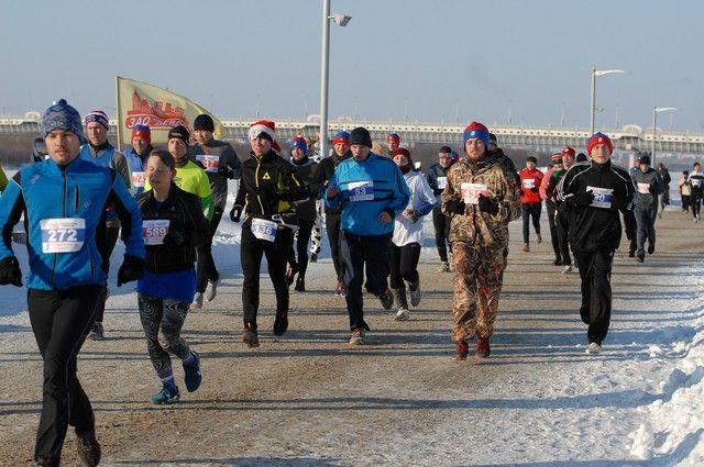 ВОмском Рождественском марафоне первым прибежал спортсмен изБашкирии