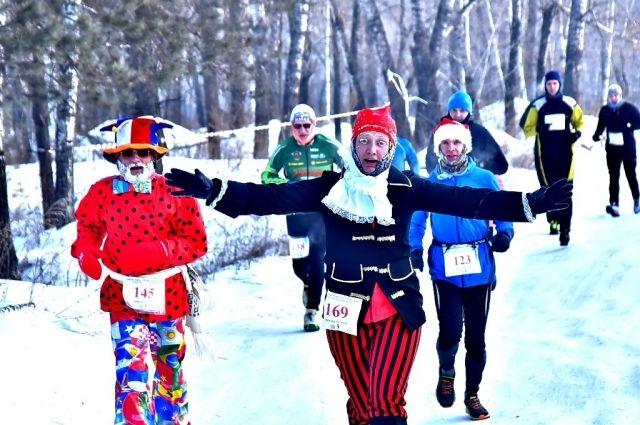 Среди мужчин победу одержал Андрей Путинцев (01:16:24), у женщин – Анастасия Пугачева (01:40:31).