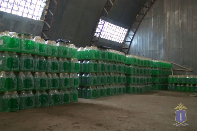 345 литров небезопасной «незамерзайки» пытались реализовать нижегородцам