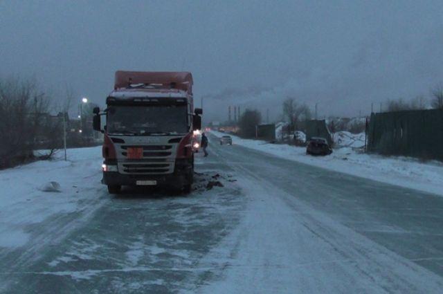 Авария произошла 7 января в 15:45 на 674 километре ФАД М5 «Урал» в Городищенском районе.