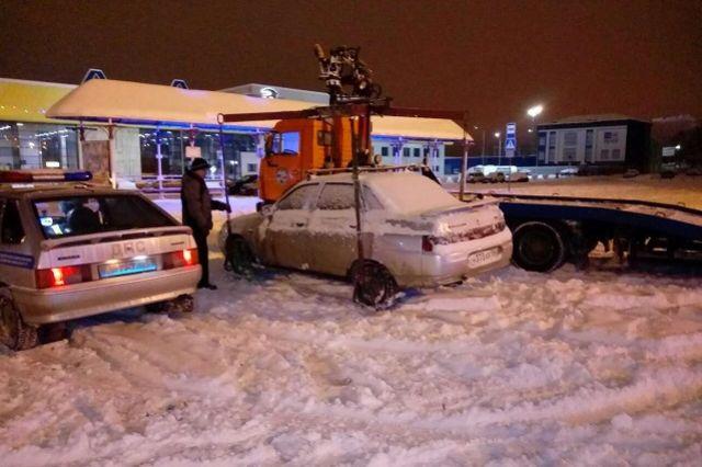 За нарушение Правил дорожного движения сотрудниками органов внутренних дел эвакуированы на штрафстоянку пять автотранспортных средств.
