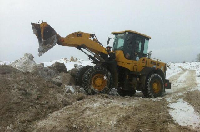 Кемеровская администрация озабочена количеством снега.