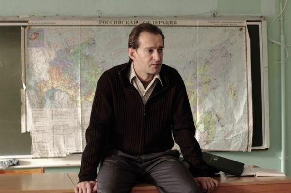 В 2013 году ему снова досталась роль учителя. За роль географа Виктора Служкина в картине «Географ глобус пропил» Хабенский получил приз за лучшую мужскую роль на фестивале «Кинотавр».