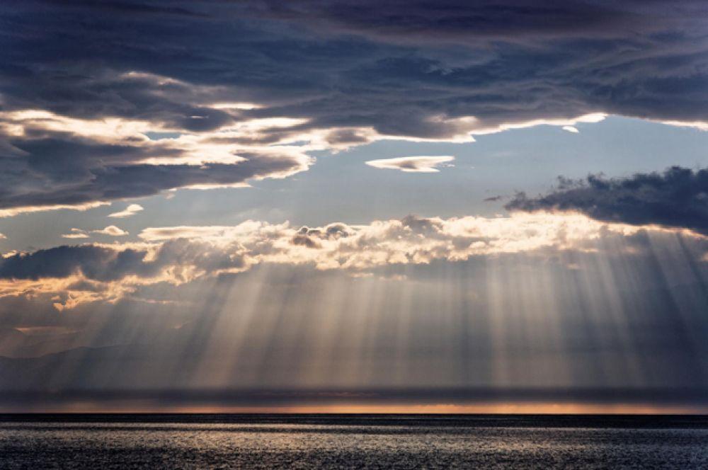 Закат над озером Байкал.