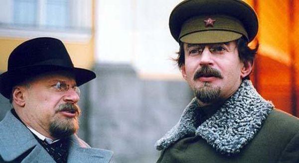 В 2005 году сыграл роль Троцкого в телесериале «Есенин».