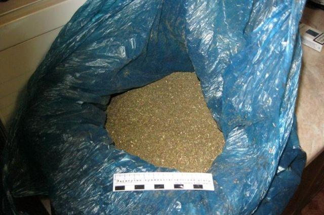 ВРостовской области умужчины отыскали неменее 1,5кг марихуаны