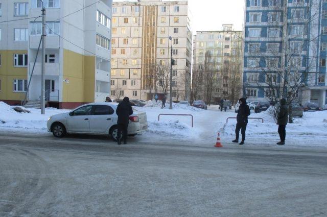 ВКировском районе «ВАЗ-21703» сбил 2-х пешеходов