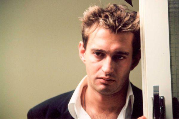 Ещё одной заметной работой в кино стала роль молодого журналиста Саши Гурьева в фильме Филиппа Янковского «В движении» (2002).