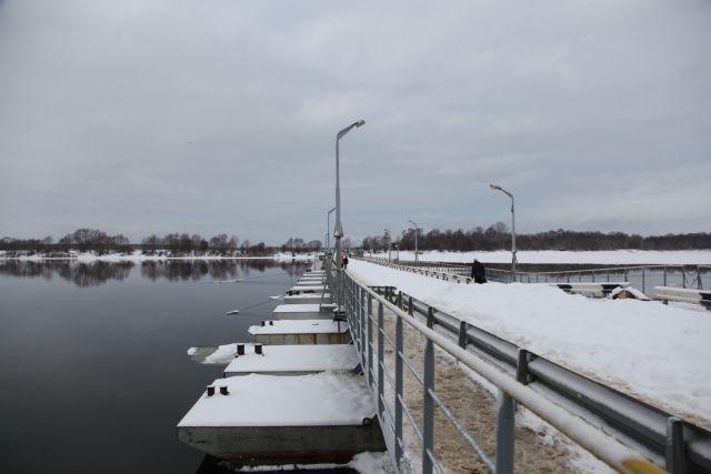 Наплавной мост через Оку