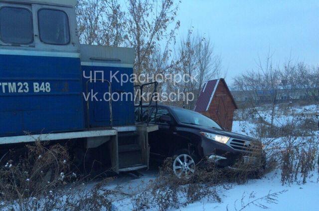 Автомобиль получил повреждения.