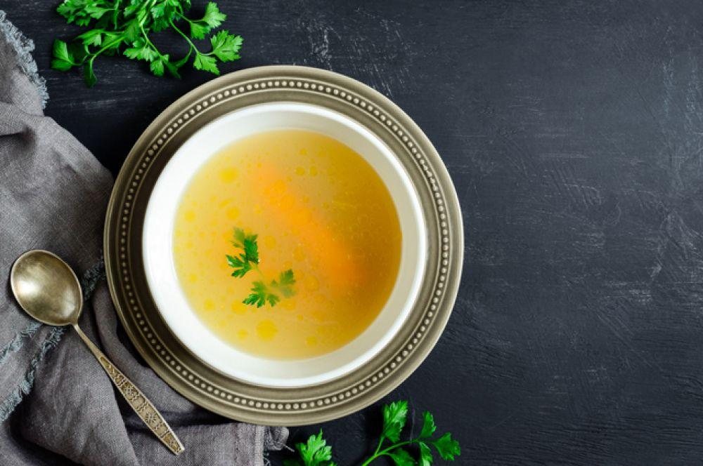 Бульон. Из жирной птицы или мяса, наваристый бульон отлично согревает и утоляет голод.