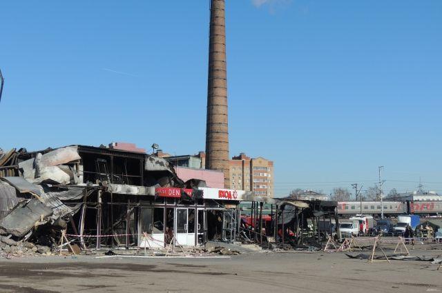 Здание выгорело дотла, так как эксплуатировалось с грубейшими нарушениями требований безопасности и без разрешения.