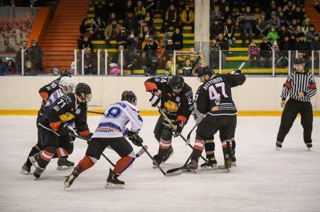 Игроков Молодежной хоккейной лиги госпитализировали из-за плохого самочувствия
