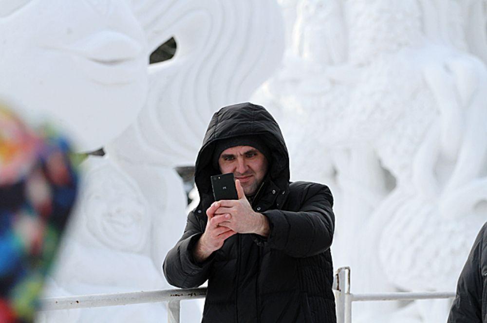 Сфотографироваться на фоне скульптур можно будет до 31 января, именно столько продлится выставка