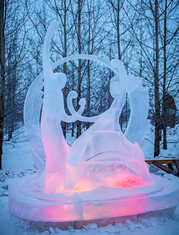 1 место - команда «Волшебный лед Сибири», Красноярск, скульптура «Ловец снов»
