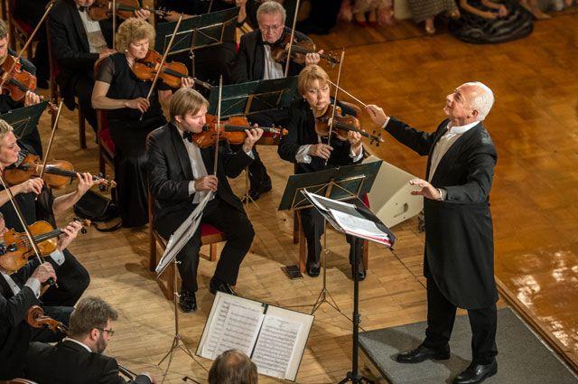 Художественный руководитель и главный дирижер Национального филармонического оркестра России и Государственного камерного оркестра «Виртуозы Москвы» Владимир Спиваков.