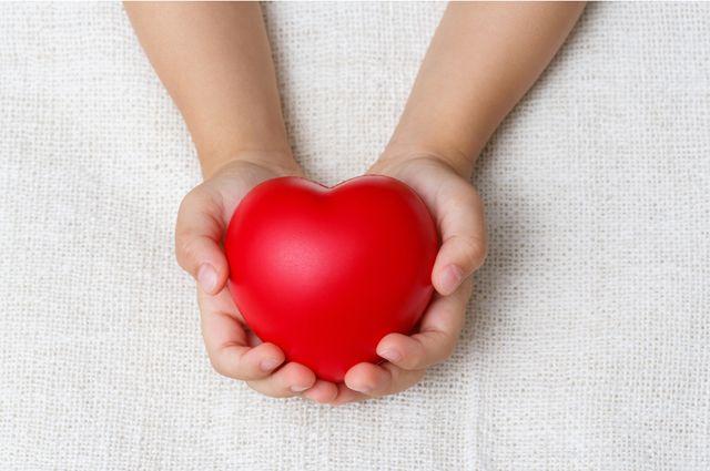 Отзывчивые сердца. 1025 детей спасли читатели «АиФ» в 2016 году