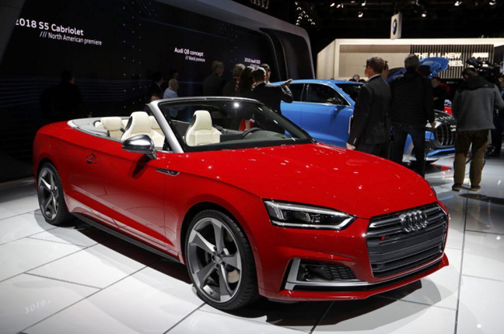 Кабриолет Audi S5.