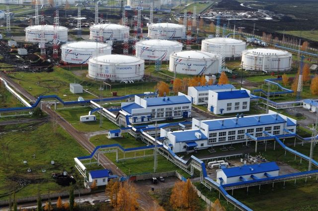 Новые санкции США противРФ коснутся вложений денег вдобычу нефти игаза