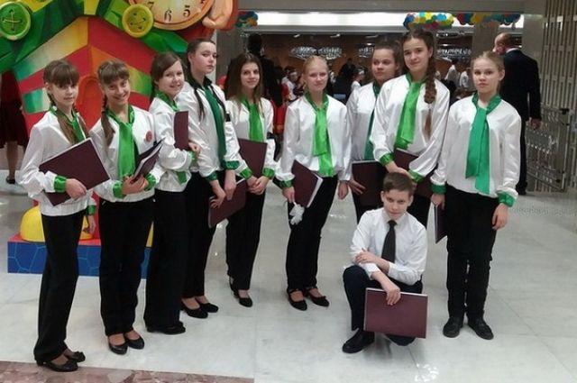 Брянские вокалисты спели всоставе детского ансамбля РФ