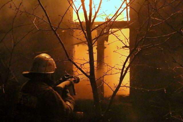 ВЯрцеве сгорел дом игараж смашиной внутри