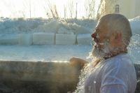 Окунаться в ледяную воду стоит, если ты здоров.