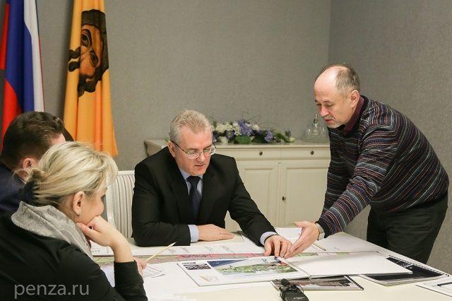 Иван Белозерцев поручил также проработать вопрос частичной очистки русла реки Суры в центре города.
