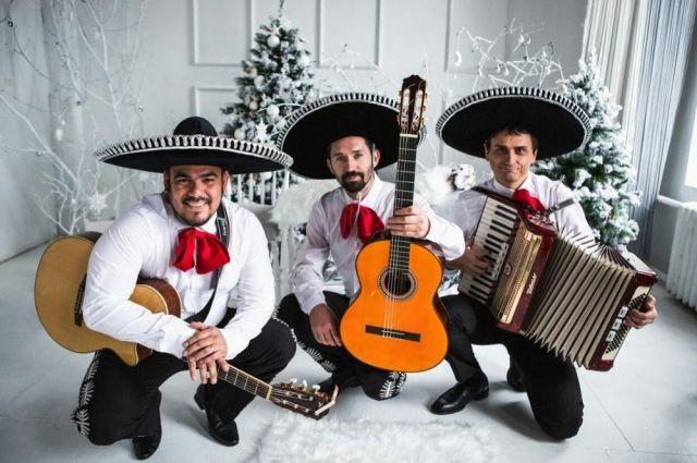 В наступившем году музыкальный коллектив доктора Барко споёт мировые шлягеры.
