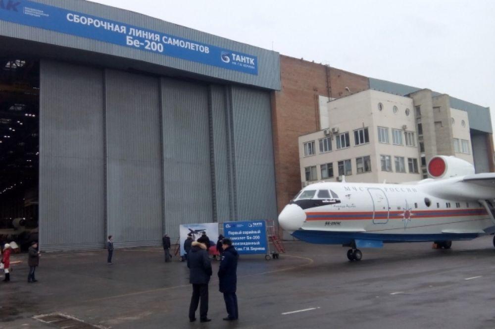 В соответствии с дополнительными требованиями заказчиков самолёт подвергся серьёзной модернизации - обновлено бортовое оборудование, внесены изменения в конструкцию планера.