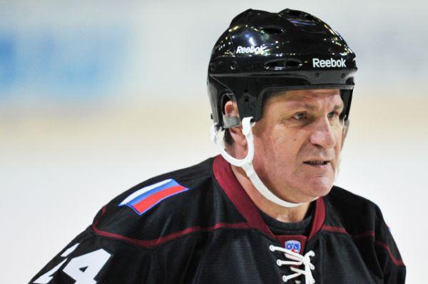 Сергей Макаров. 25 февраля 1990-го в матче с «Эдмонтоном» набрал 7 очков по системе «гол + пас» — лучший результат среди россиян.