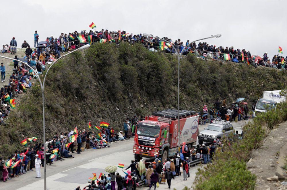 Ла-Пас расположен на высоте около 3600 метров над уровнем моря, поэтому участников ждал серьёзный перепад высоты.