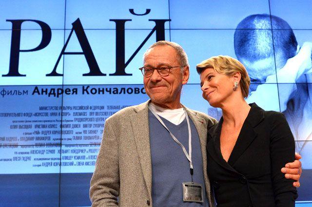 Режиссер фильма «Рай» Андрей Кончаловский с супругой, актрисой Юлией Высоцкой.