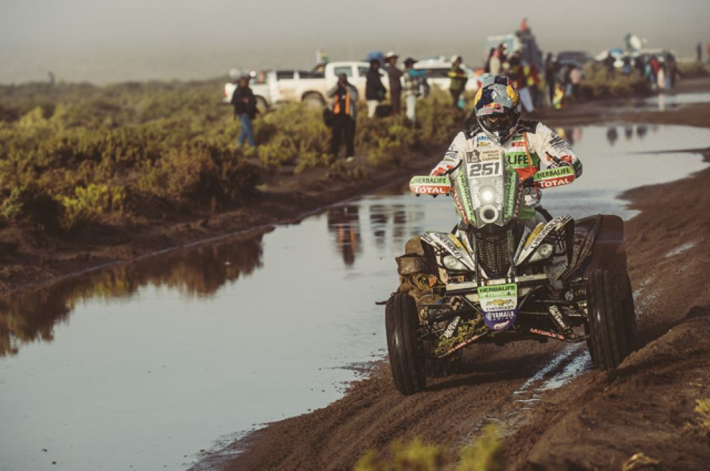 На восьмом этапе ралли участники вновь вернулись в Аргентину. Конечным пунктом маршрута стал городок Сальта.