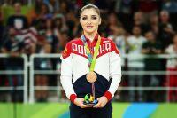 Двукратная олимпийская чемпионка, трехкратная чемпионка мира и пятикратная чемпионка Европы по спортивной гимнастике готовится стать мамой.