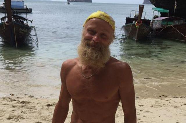 Старый красноярец сразил туристов акробатикой наскалах Таиланда