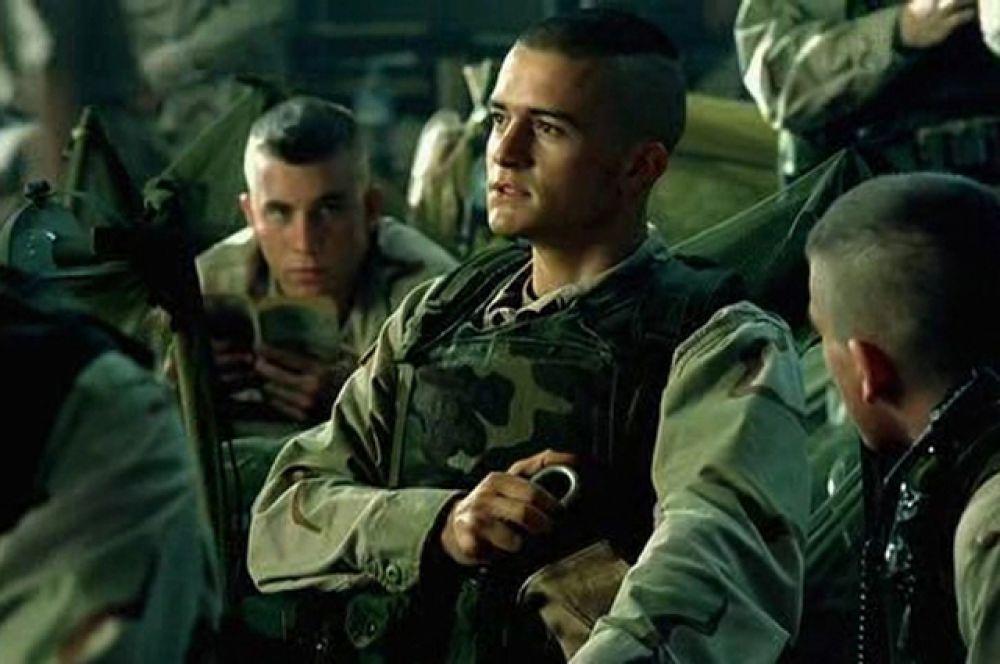 В том же году Блум снялся в роли новобранца Тодда Блэкберна в военной драме Ридли Скотта «Чёрный ястреб» (2001). Картина основана на реальных событиях — операции американских миротворческих сил в Сомали в октябре 1993 года.