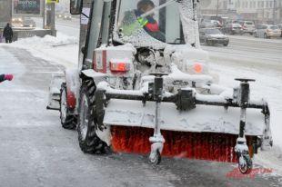Вывезено 1,1 тысяча кубометров снега