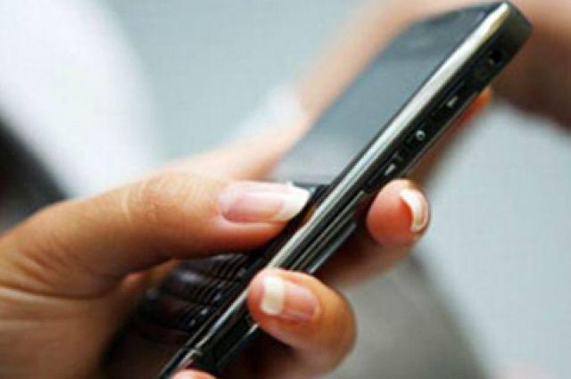 Бывший инспектор передавал заключенным SIM-карты за деньги