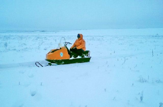 Спасатели на снегоходе провели поиск потерявшегося.