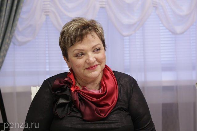 До недавнего времени Елена Анатольевна руководила региональным министерством в ранге исполняющего обязанности начальника.